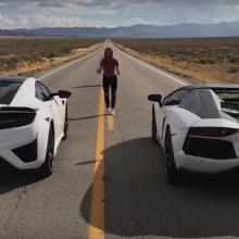 Видео - 2016 Acura NSX против Lamborghini Aventador