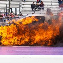Ford Mustang загорелся во время дрэг-гонки