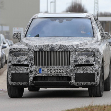 Шпионские снимки внедорожника Rolls-Royce Cullinan