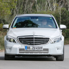 Фэйслифтинг 2018 Mercedes-Benz C-Class – шпионские снимки