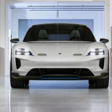 Porsche представил Mission E Cross Turismo