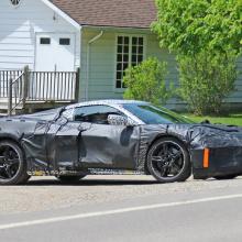 Предстоящий Corvette был замечен под тяжелым камуфляжем