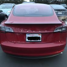 Мощная версия Tesla Model 3 на 17 000 долларов дороже, чем C63 AMG