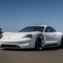 Porsche Mission E официально назван ''Taycan''