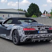 Шпионские снимки Audi R8 Spyder - с гигантским выхлопом и новым ''лицом''