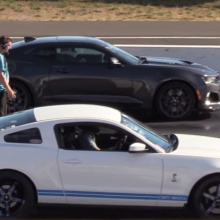 Chevrolet Camaro ZL1 против Races Ford Mustang Shelby GT500