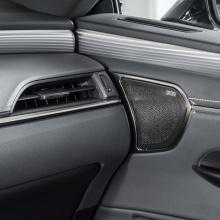 Lexus поделился историями о мастерстве и идеях нового ES Hybrid Saloon
