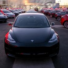 Илон Макс говорит, что чип автономного вождения Tesla выйдет через шесть месяцев