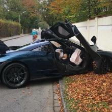McLaren Senna попал в аварию в Мюнхене вскоре после доставки