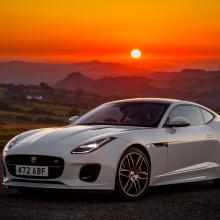 Jaguar с гордостью представляет модель F-TYPE Checkered Flag Edition