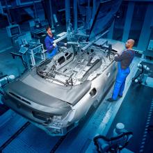 Первый кабриолет BMW 8 серии сошел с производственной линии