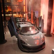 Команда McLaren представляет новые Senna и LT600 на автосалоне в Бейруте!