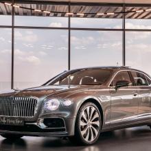 Команда Bentley представляет новый Flying Spur в Москве!