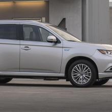 Mitsubishi Outlander PHEV получает еще одну престижную награду!