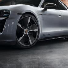 Porsche представляет эпический карбоновый пакет для Taycan