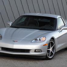 Посмотрите, как отец и сын гоняют и разбивают Corvette