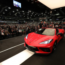 2020 Corvette C8 Stingray был продан на аукционе за рекордные 3 млн долларов
