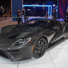Ford представил карбоновый GT