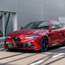 Alfa Romeo представляет специальный автомобиль к юбилею бренда