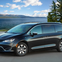 Chrysler Pacifica Hybrid удостоен престижной награды
