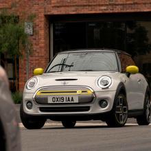 Mini вынужден сменить название колес Cooper SE
