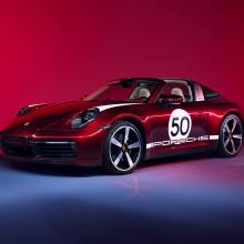 Porsche 911 Targa 4S Heritage Edition - потрясающая вишнево-красная машина мечты