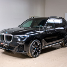 Готовим BMW X7 - пленка, керамика, тонировка, салон, аксессуары
