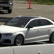 Смотрите как этот одноместный Audi RS3 проходит четверть мили