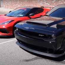 Борьба на четверть мили: Corvette C8 против Dodge Challenger SRT Demon
