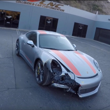 Посмотрите, как Porsche 911 R был полностью восстановлен за 20 минут