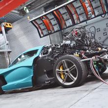 Самоуправляемый гоночный автомобиль терпит крушение при первой же возможности