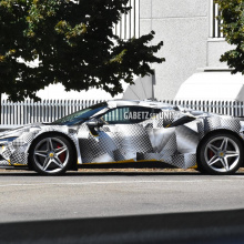 Ferrari SF90 Stradale Spider появится на этой неделе