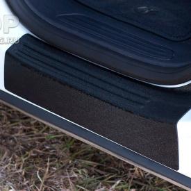 Накладки Bastion на внутренние пороги дверей Volkswagen Touareg 2