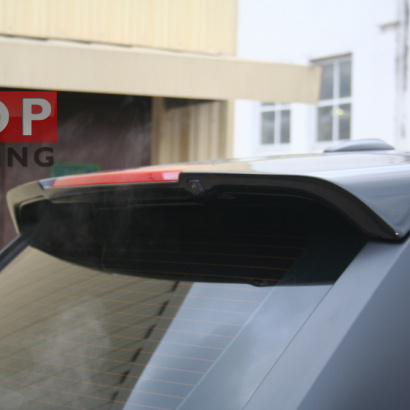 Спойлер на заднюю дверь на Land Rover Range Rover Sport L322