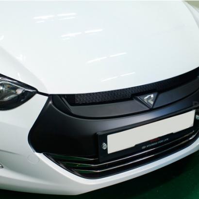 Решетка радиатора на Hyundai Elantra 5 (Avante MD)