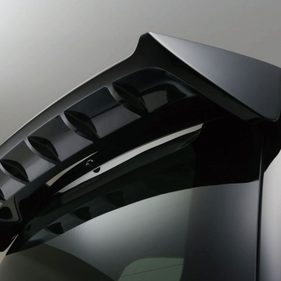 Спойлер на Lexus LX570 UJR 200