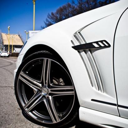 Крылья передние  на Mercedes S-Class W221