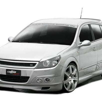 Решетка радиатора на Opel Astra H 5D