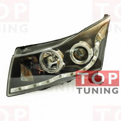 Передняя тюнинг-оптика с диодной полосой и линзой на Chevrolet Cruze 2