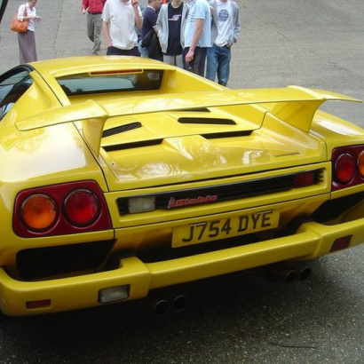 Спойлер на задний капот на Lamborghini Diablo