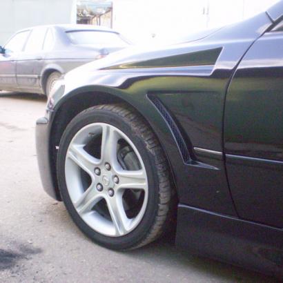 Передние крылья Top Gun на Toyota Altezza is200