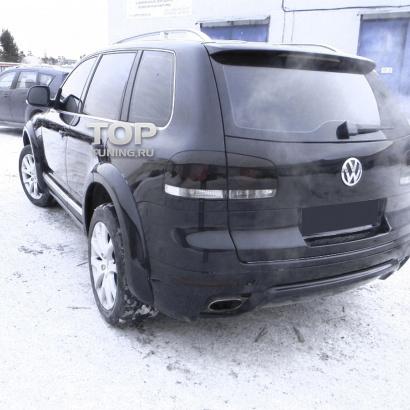 Накладка на заднюю дверь на VW Touareg I