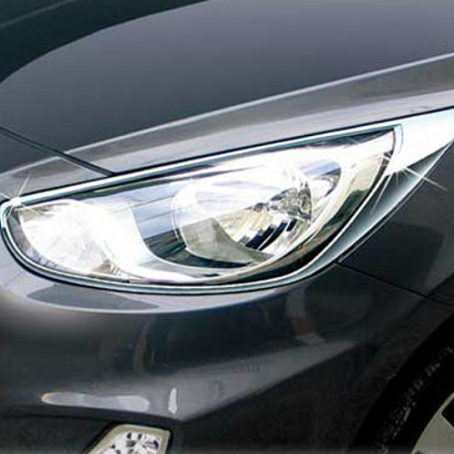 Молдинг на передние фары на Hyundai Solaris