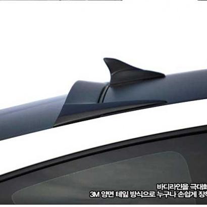 Спойлер на стекло на Hyundai Genesis 1