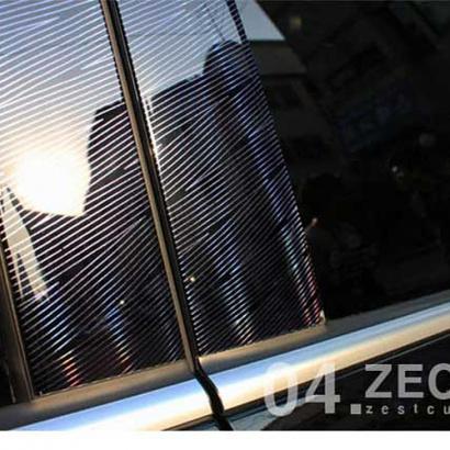 Молдинг центральных стоек со светящейся голограммой на Hyundai Veloster