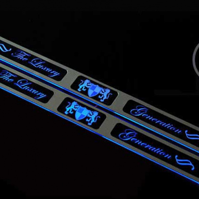 Накладки на пороги в салон с подсветкой на Kia Picanto 2