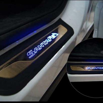 Накладки на пороги с подсветкой на Hyundai Santa Fe 3 (DM)