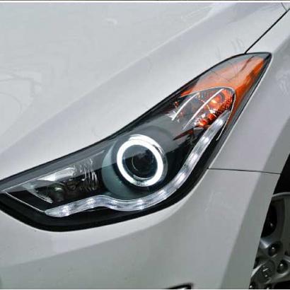 Передняя оптика на Hyundai Elantra 5 (Avante MD)