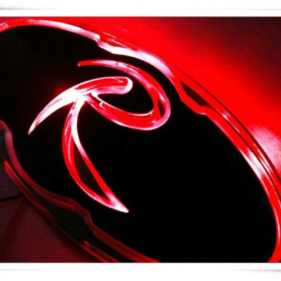 Эмблемы с LED подсветкой  на Kia Sorento XM