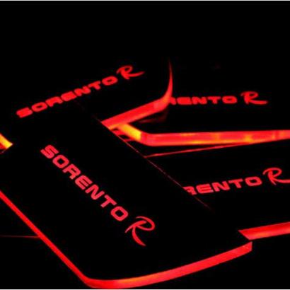 Светодиодные вставки под внутренние ручки дверей на Kia Sorento XM